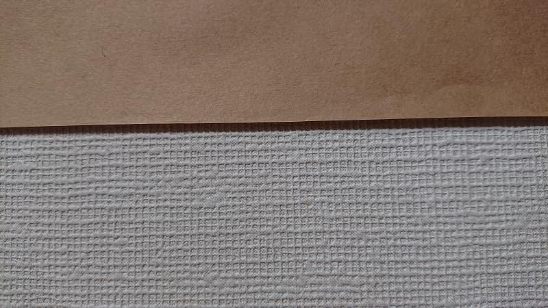 白壁VSクラフト紙